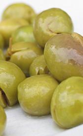 Aceitunas verdes con hueso