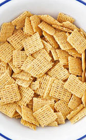 cereales de desayuno con base de avena, alimento rico en vitamina B7