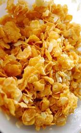 cereales de desayuno con base de maíz azucarados, alimento rico en sodio y vitamina B9