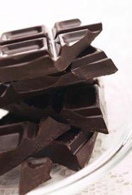 chocolate negro, alimento rico en zinc y calorías