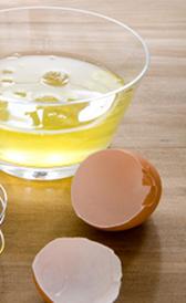 clara de huevo, alimento rico en vitamina C