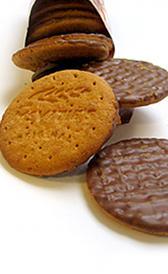 galletas digestive con chocolate, alimento rico en magnesio y calorías