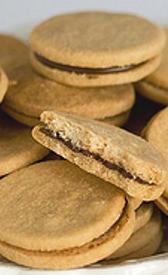 galletas rellenas de chocolate, alimento rico en fibra y carbohidratos
