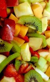 Macedonia de frutas en su jugo