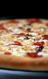 pizza margarita congelada, alimento rico en carbohidratos y calcio