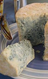 queso de cabrales, alimento rico en vitamina B5