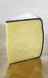queso cheddar, alimento rico en vitamina A y yodo