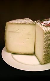 queso manchego fresco, alimento rico en vitamina B3 y yodo
