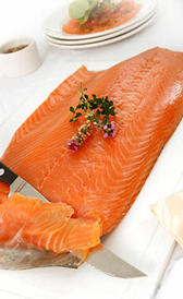 salmón ahumado, alimento preteneciente a la categoría de los pescados ahumados