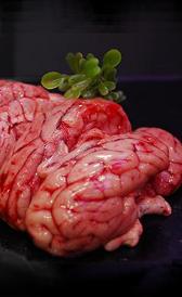 sesos de cerdo, alimento rico en vitamina B2 y fósforo