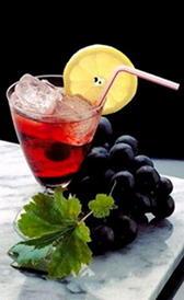 zumo de uva, alimento rico en proteínas